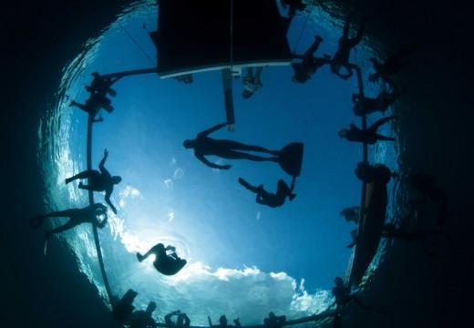 Vertical Blue 2012 : Le Dean's Blue Hole dans la légende