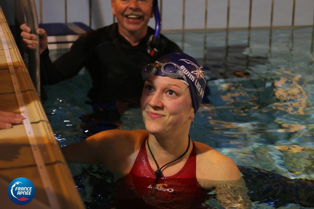 le sourire d'Ilaria Bonin peu après sa perf à 197m DYN.  Photo : France Apnée