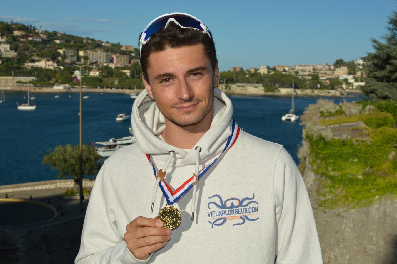 Arnaud, Champion de France 2017  de poids constant en bi-palme