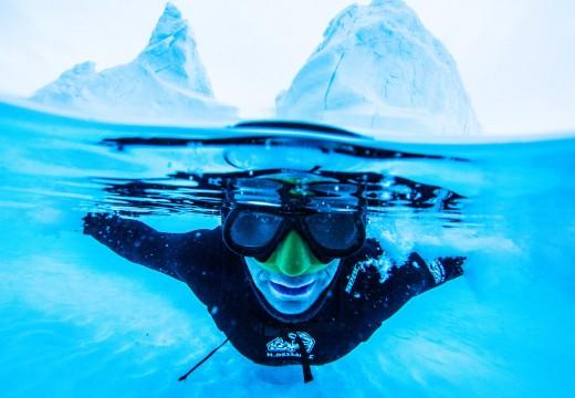 des apnéistes dans «Le monde des glaces»