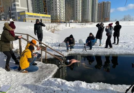 [RECORDS] 4min16sec STAT & 102m DNF dans l'eau glacée de Russie