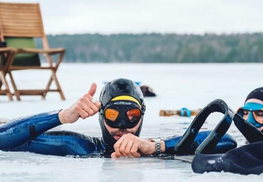 [ITW FLASH] Arthur Guérin-Boëri nage 120m sans palme sous glace